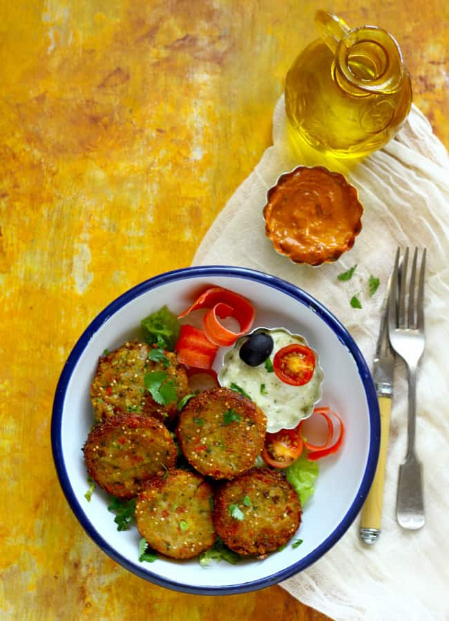 This Quinoa Falafel is my idea of tasty, comfort food. Find how to make falafel loaded with the quinoa in few simple steps