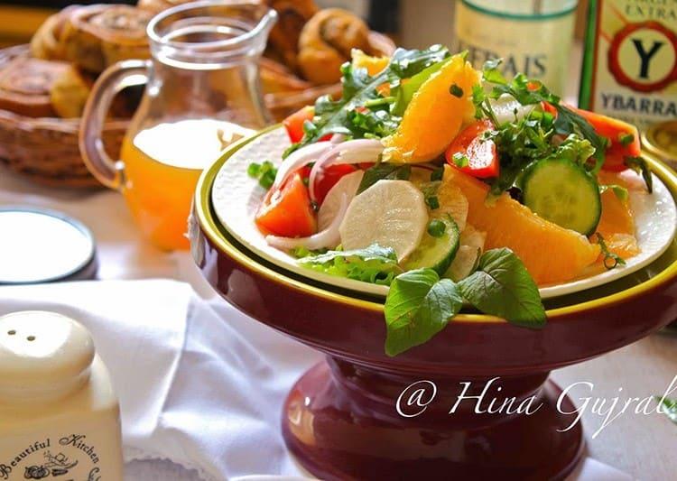Orange and Mixed Green Salad