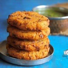 Maddur Vada is deep-fried savory fritters made with combination of different flours, semolina and lots of onion.