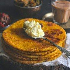 Makki Aur Aloo ka Paratha is an Indian flatbread made with maize flour and spicy potato dough. Find Makki aur aloo ka paratha recipe
