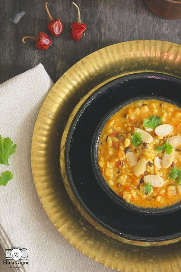 Shahi Dal, as the name advocates, is creamy, aromatic and rich urad dal stew cooked with milk, ghee, and fistful of almonds.