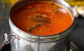 Spicy Tomato and Garlic Rasam Recipe