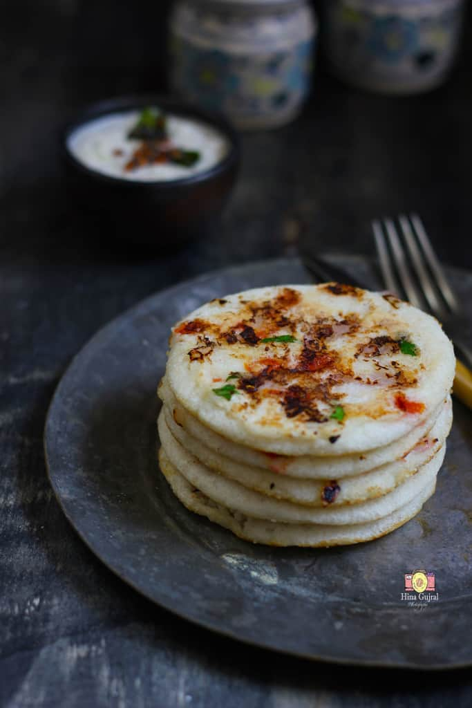 Onion and Tomato Uttapam recipe