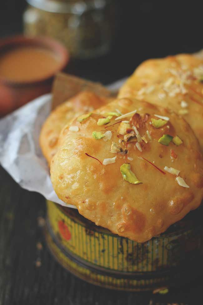 Meethi Poori is a delicious, simple recipe for the festive occasions such as Diwali, Holi, and Raksha Bandhan.