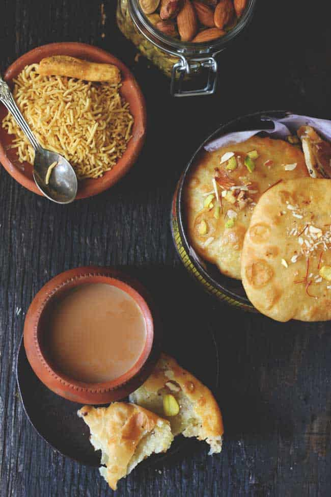 is an ode to all those uncomplicated joys of festive celebrations inwards a modest town Meethi Poori Recipe