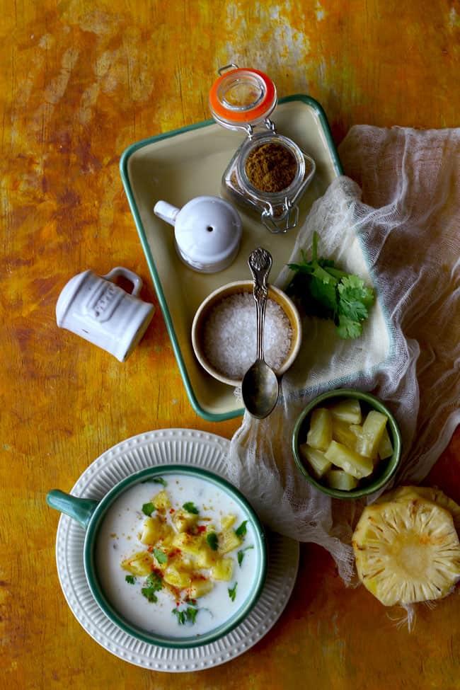 Raise your paw if you lot honey the classic  Restaurant Style Pineapple Raita Recipe