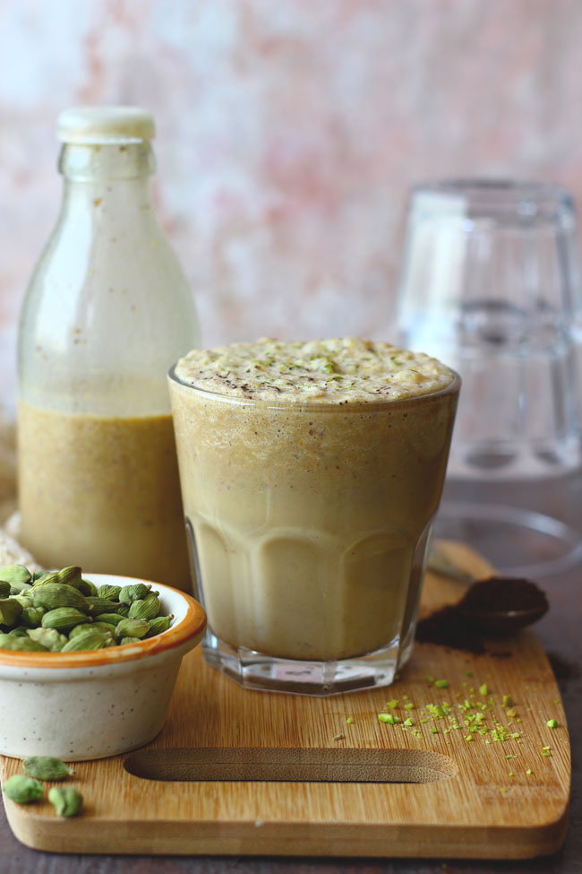 Date and Coffee Milkshake is one of the best ways to have dates for the breakfast. Find how to make date and coffee milkshake recipe