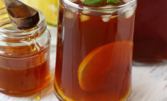 Making perfect iced tea is easy, and endlessly adaptable. Find how to make basic iced tea recipe at home in few simple steps