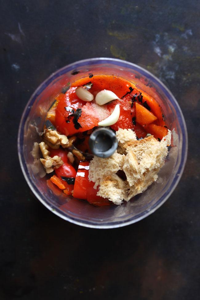 A spicy Mediterranean roasted red pepper vegn dip
