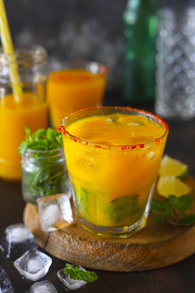 An alcohol free refreshing mango mojito
