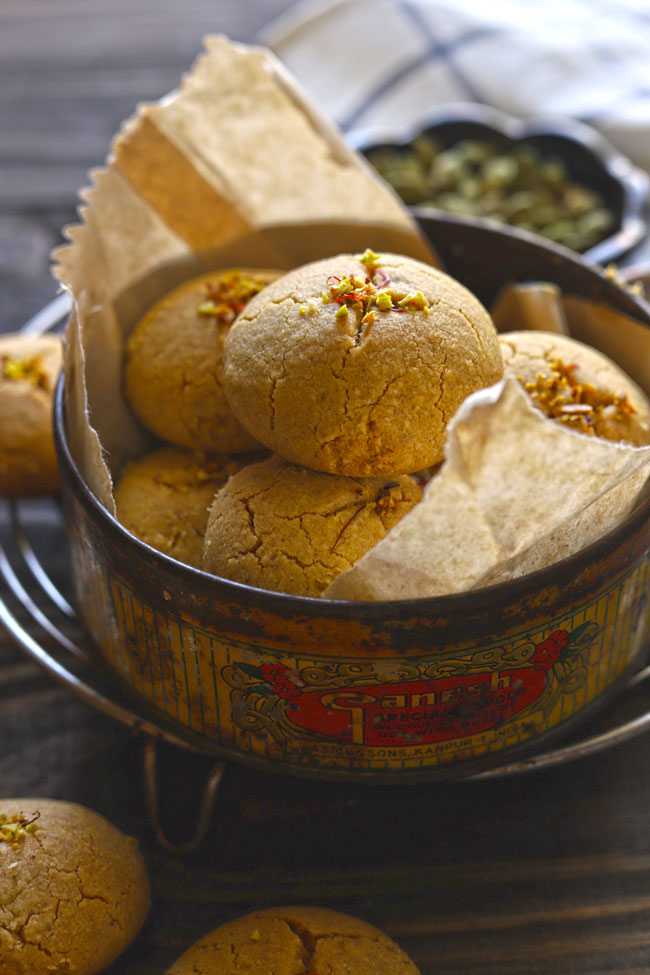 Nankhatai is an eggless, traditional Indian shortbread cookies prepared with gram flour and ghee.