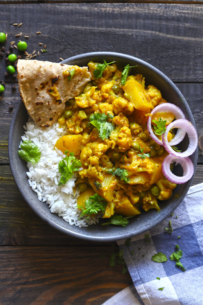 Creamy Indian Style Cauliflower Curry With Rice And Chapati