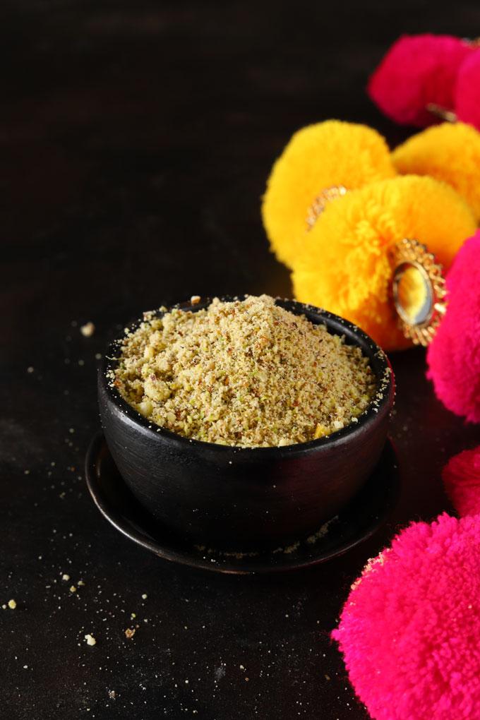Homemade Thandai Powder In A Bowl