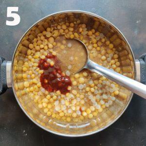cooking matar for kulcha